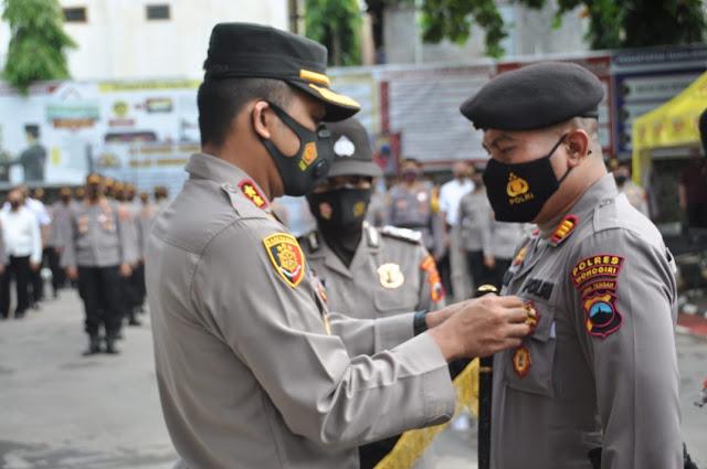 Kapolres Wonogiri Sematkan PIN WBK ke Anggotanya