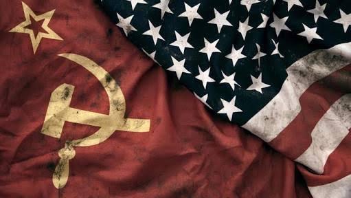 Sosialisme-komunisme memang kejam, tapi kapitalisme lebih licik dengan racun mematikan perlahan. Bahkan sebagian kaum muslimin turut menghirupnya hingga mabuk kepayang. Sampai sulit menyadarkan mereka bahwa ideologi sekulerisme-kapitalisme ini yang sebenarnya sedang mencekik mereka, racunnya sudah masuk hingga ke tulang sumsum umat.