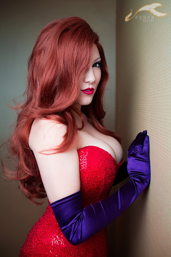 Red Dresss - Brown Hair Girls of America -  Hot Hollywood Girls Actress White Curves in Hollywood Beauty Girls