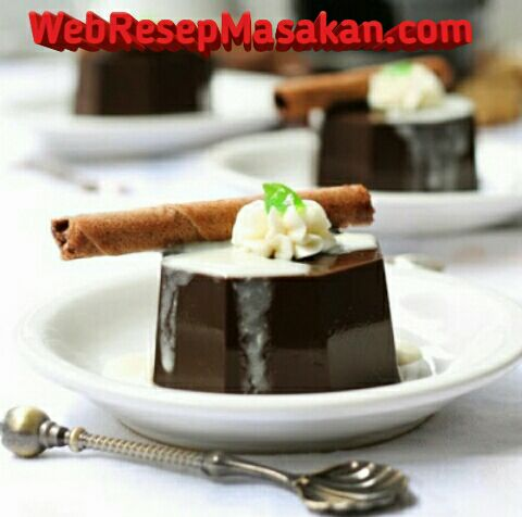 rich chocolate pudding,