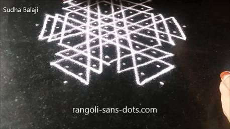 rangoli-a-puzzle-with-dots-lines-1af.png