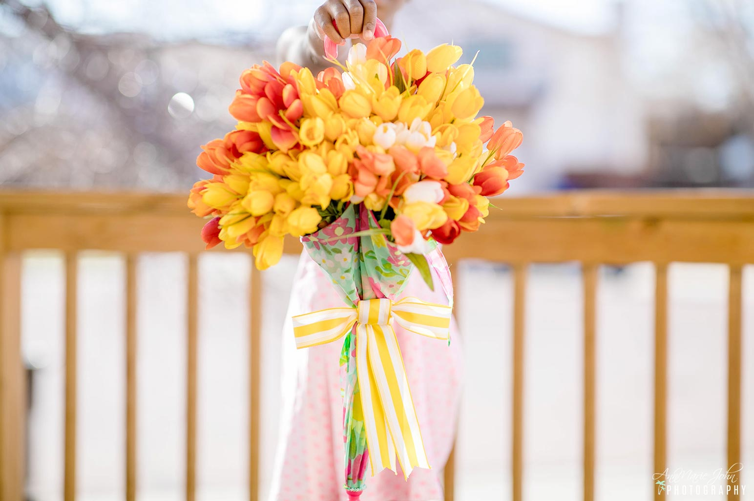 Tulip Umbrella Wreath can be used as a bouquet