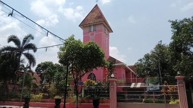 Gereja Santo Yusup Blitar