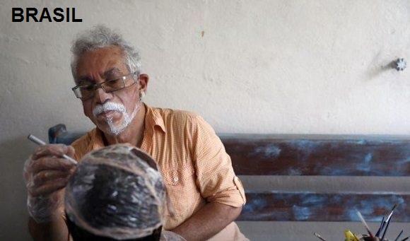 COVID 19: Ingeniosos barbijos personalizados con tu propio rostro