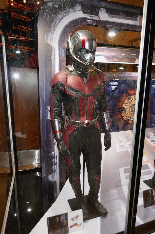 Paul Rudd AntMan movie costume