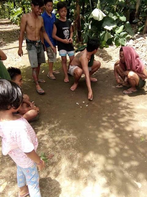 Metembing pis permainan tradisional Bali