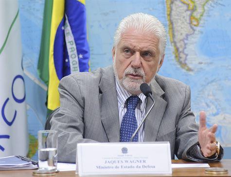 Jaques Wagner: Me preocupa esse ambiente de caça às bruxas dos políticos