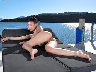 InTheCrack 1083 Vicki Chase XXX Image Set