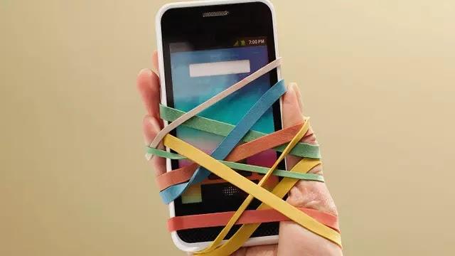 7 Fakta Mengambarkan Insan Pecandu Smartphone Akut
