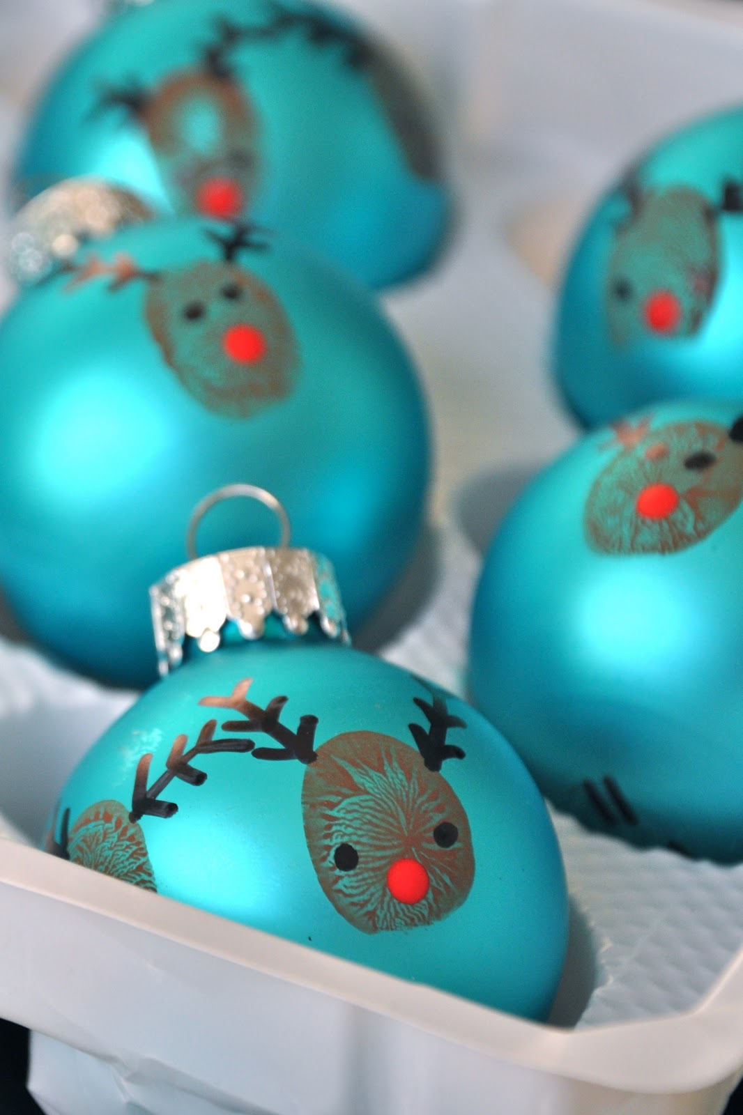 Little Bit Funky 20 Minute Crafter Reindeer Thumbprint Ornaments