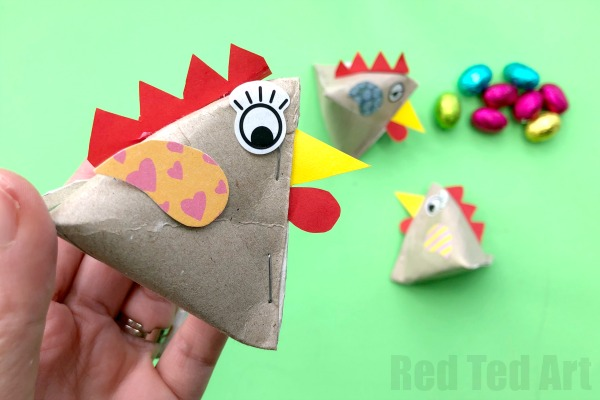 Chicken craft using toilet paper rolls and paper