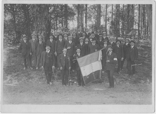 Anciens combattants Mesnières en Bray