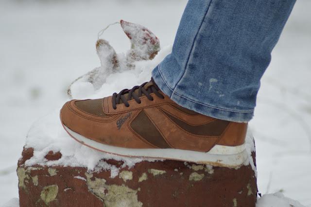 5dd666aae6 W tych butach chodzi mój mąż. Jest z nich bardzo zadowolony. Oczywiście ja  jak przystało na kobietę pierwsze na co zwracam uwagę to wygląd mi ten  model ...