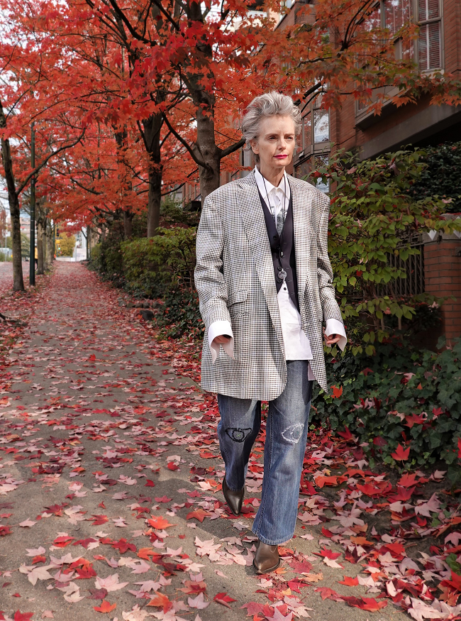 Mel Kobayashi, men's oversized suit jacket, Bag and a Beret, autumn leaves