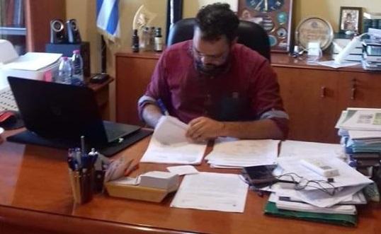 Υπογράφηκε η σύμβαση για την ανάπλαση της πλατείας δημοτικού καταστήματος Δήμαινας