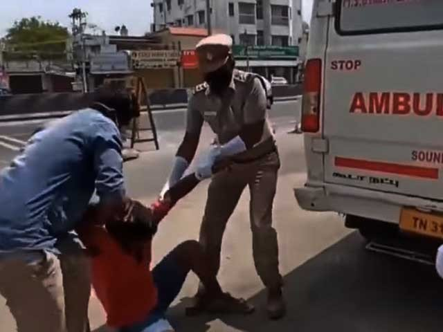بھارتی پولیس نے نوجوانوں کو کورونا مریض کے ساتھ بند کردیا