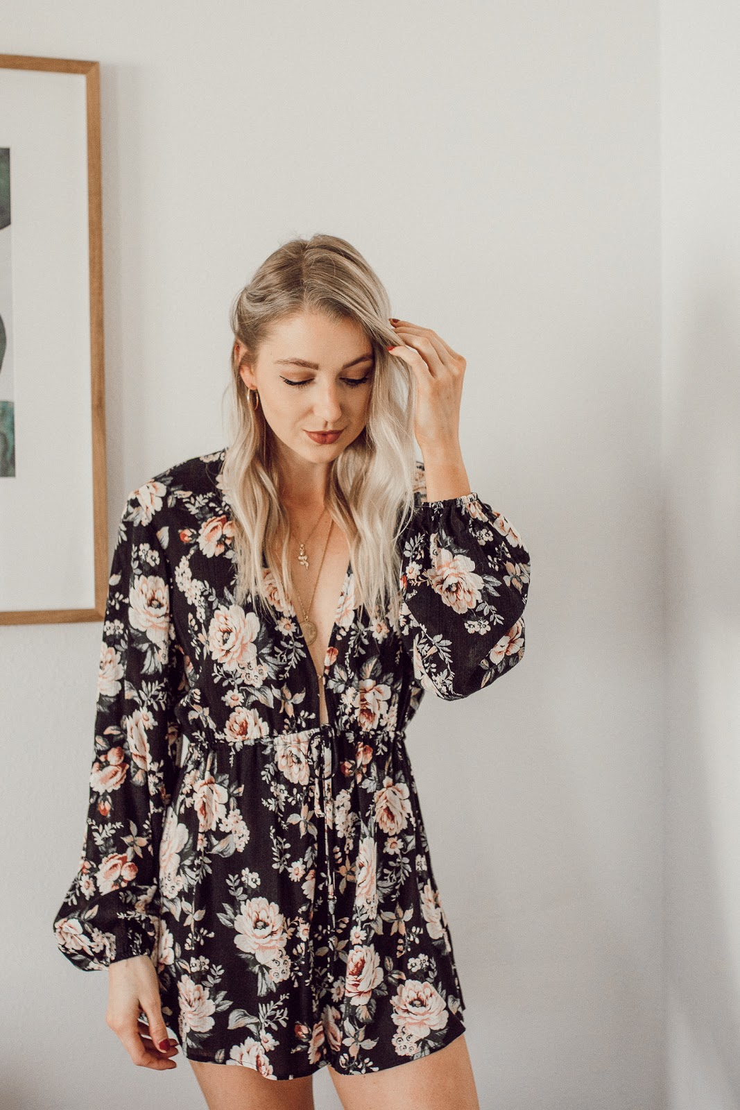show me your mumu floral romper + a simple, romantic hairstyle