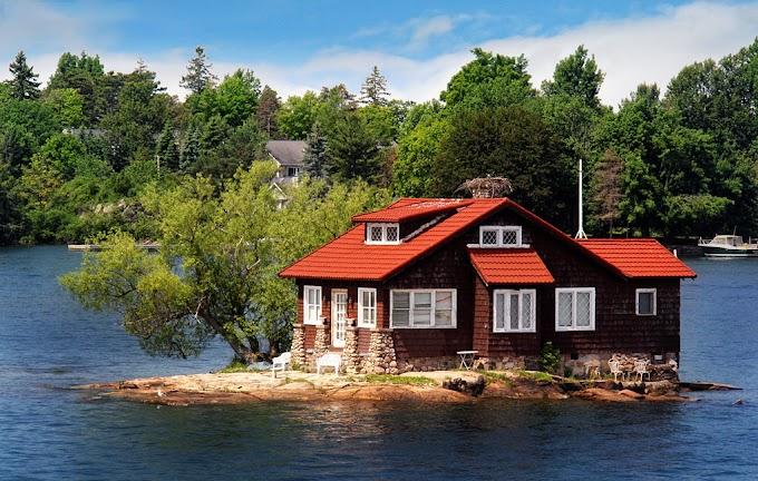 أصغر جزيرة مأهولة بالسكان .. منزل وشجرتان