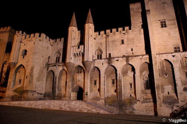 Il maestoso Palazzo dei Papi di Avignone