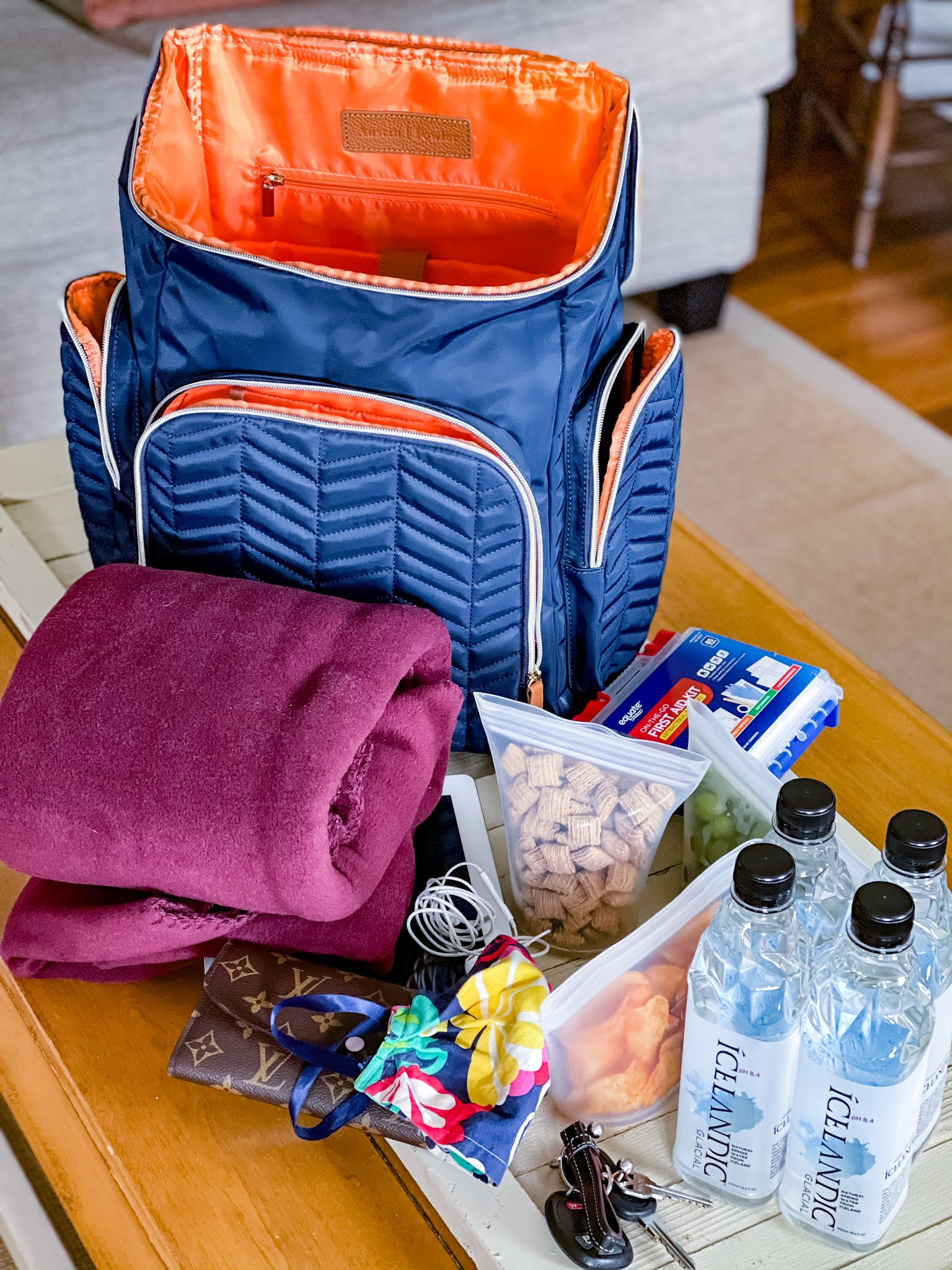 Shaw Avenue | What's In My Bag, Traveling Baseball Mom Edition