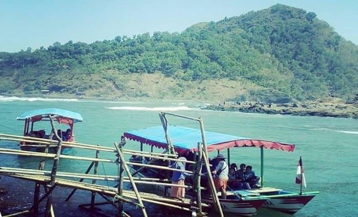 Perahu sungai telomoyo