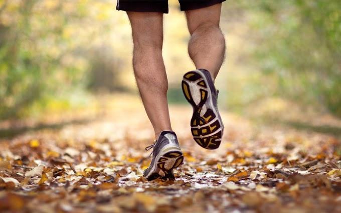 4 Tips Mengatasi Bau Kaki Akibat Sepatu