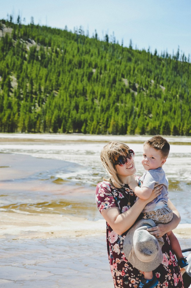 things to do in yellowstone with a toddler: prismatic springs