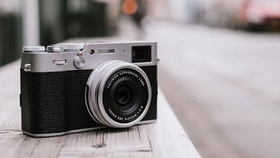 Fujifilm X100V Mirrorless Digital Camera Firmwareの最新ドライバーをダウンロードしてください