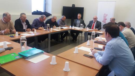 El Consell consensúa con el sector citrícola un plan de actuación para mejorar su situación