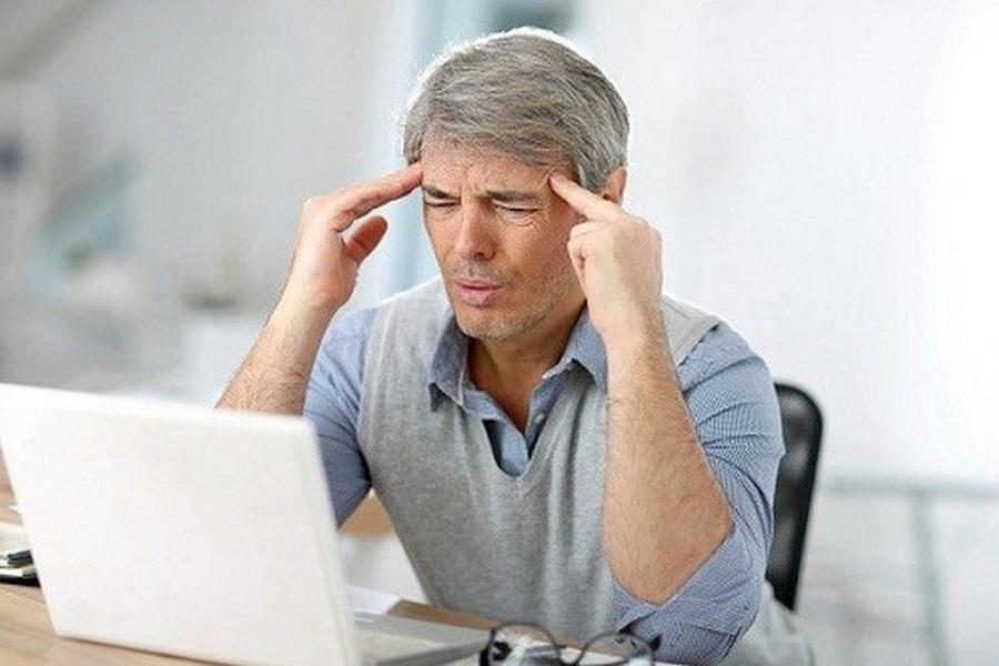 Mengatasi Sakit Kepala saat Siang Hari