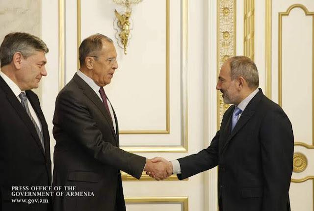 Rusia y Armenia tratan relaciones bilaterales en Ereván