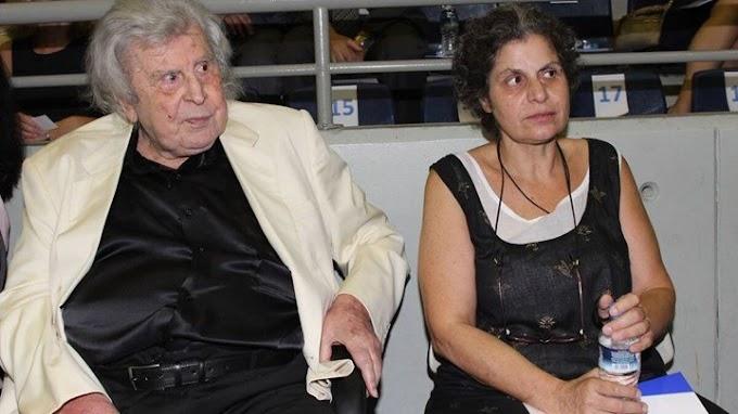 Στο νοσοκομείο η Μαργαρίτα Θεοδωράκη. Μία μέρα μετά το θάνατο του πατέρα της