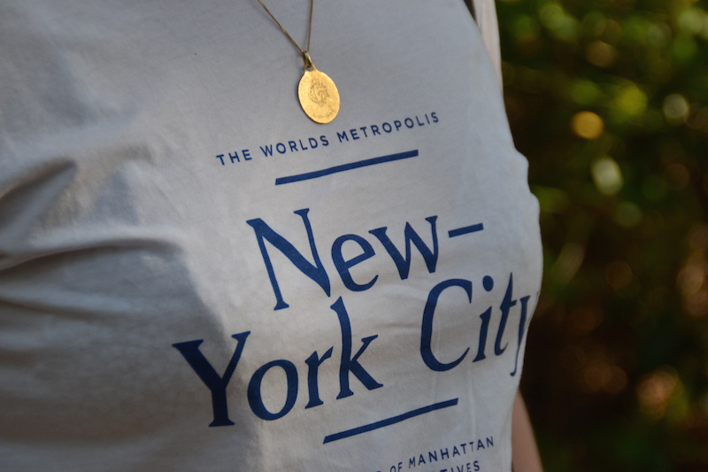 T-shirt New York City H&M et médaille de baptéme