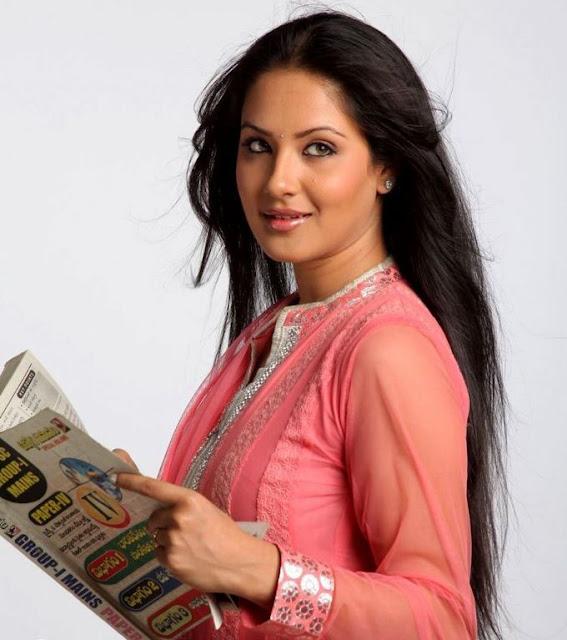 NISEWALLPAPERS: Actress Pooja Bose Stills