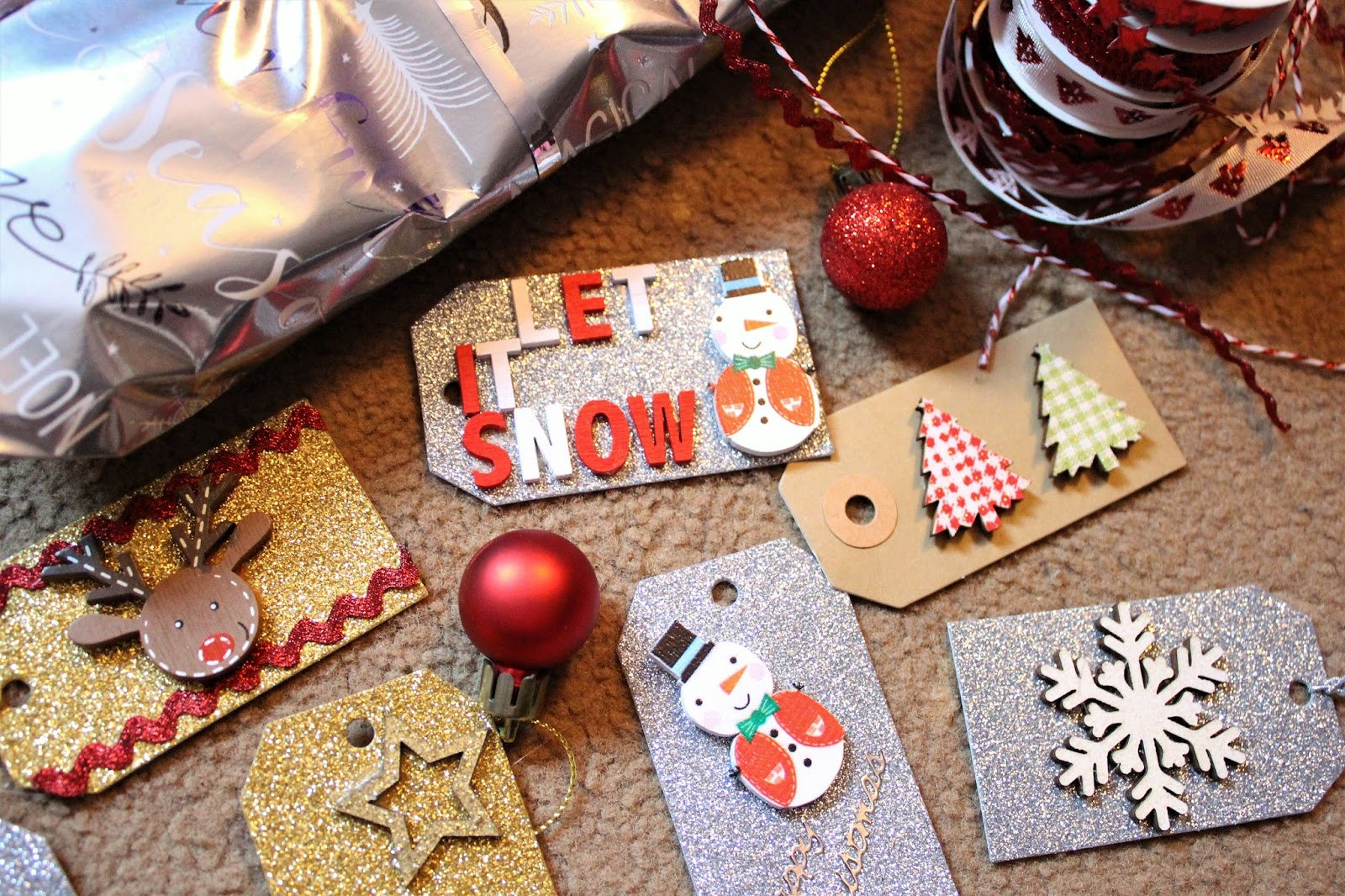 how to make your own christmas tags
