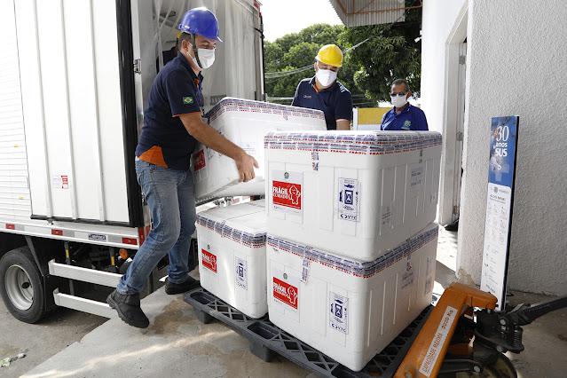 Pernambuco recebe mais 40,6 mil unidades da Coronavac para segundas doses