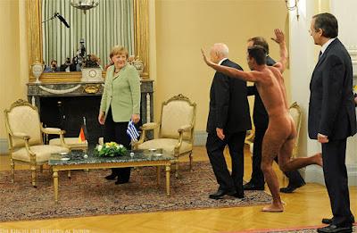 Lustiges Bild Merkel und der nackte Mann - Spaßbilder Politik