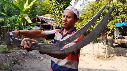 Pemuda Aceh Utara Ini Mereplika Pedang Zulfaqar Sayyidina Ali