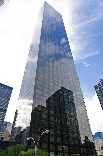 awesome trump world tower with transparant glass surface