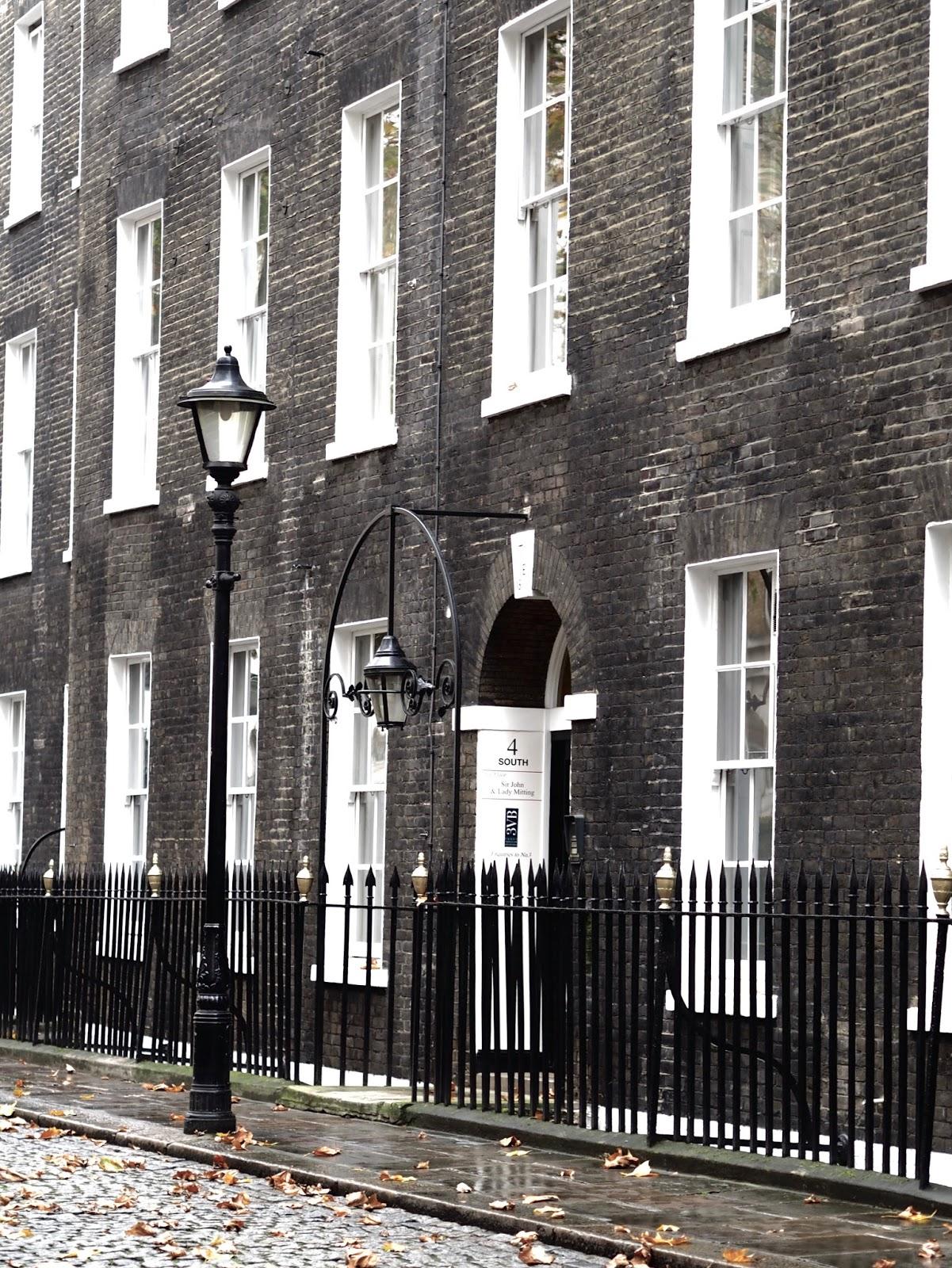 LONDON DIARY I. 11