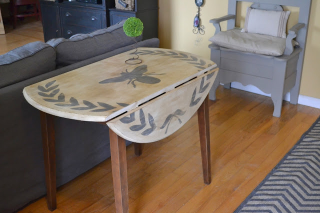 bee and leaf table with sides down