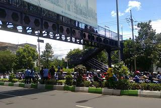 Suasana Jalan dibawah penyeberangan Kayutangan, Malang