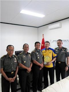 Sofian Tjandra Bersama Brigjen Nono Suharsono dan Kolonel Denny Tuejeh