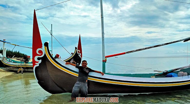 kapal nelayan untuk menyeberang ke Gili Labak