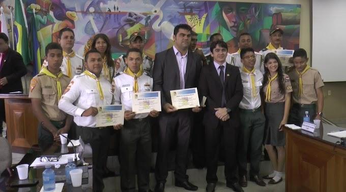 VEREADORES REALIZARAM UMA SESSÃO SOLENE EM HOMENAGEM AO DIA DA POLÍCIA MILITAR, CORPO DE BOMBEIROS, SAMU E DESBRAVADORES.