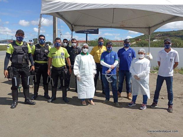 Servidores da saúde, agentes de trânsito e Guarda Municipal no combate à Covid-19 em Santa Cruz do Capibaribe