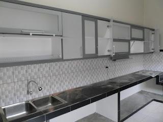 furniture semarang - kitchen set minimalis pintu kaca engsel hidrolis 04