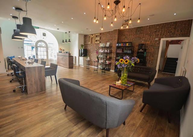 Lime salon biolage indoors