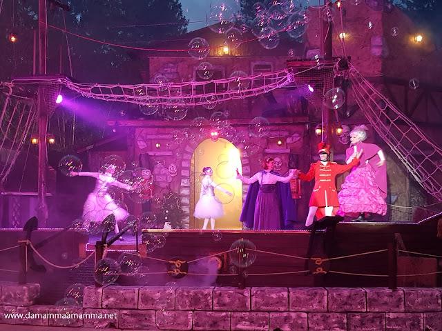 Spettacolo Crazy Christmas all'Aquaneva di Inzago per Natale