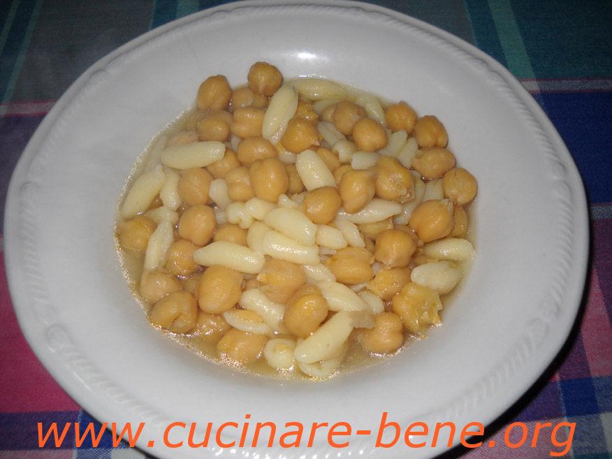 Pasta e ceci cucinare bene ricette for Cucinare i ceci